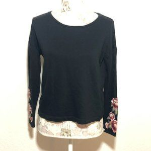 Forever 21 Floral Embroidered Sweater size S